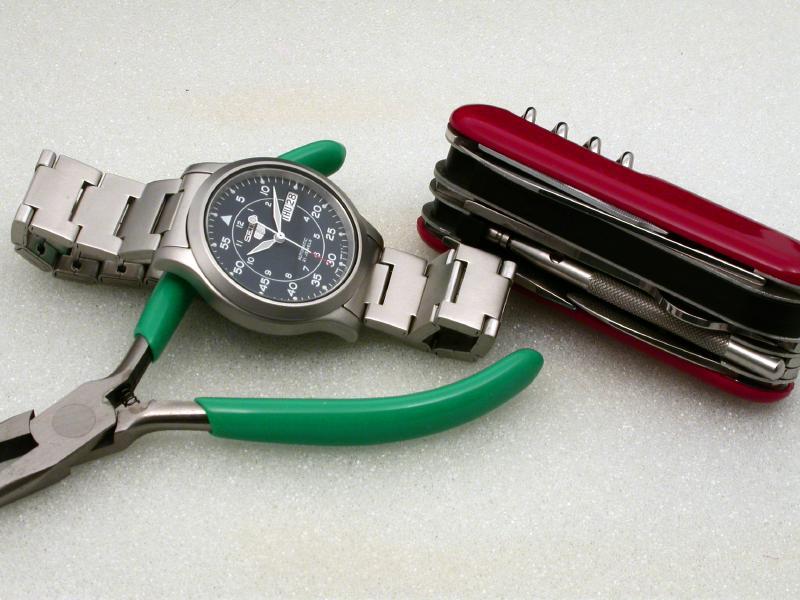 SHORTENING WATCH BRACELETS « Bracelets: Jewelry